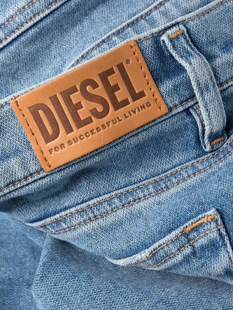 Джинсы Diesel D-AKEMI L.30